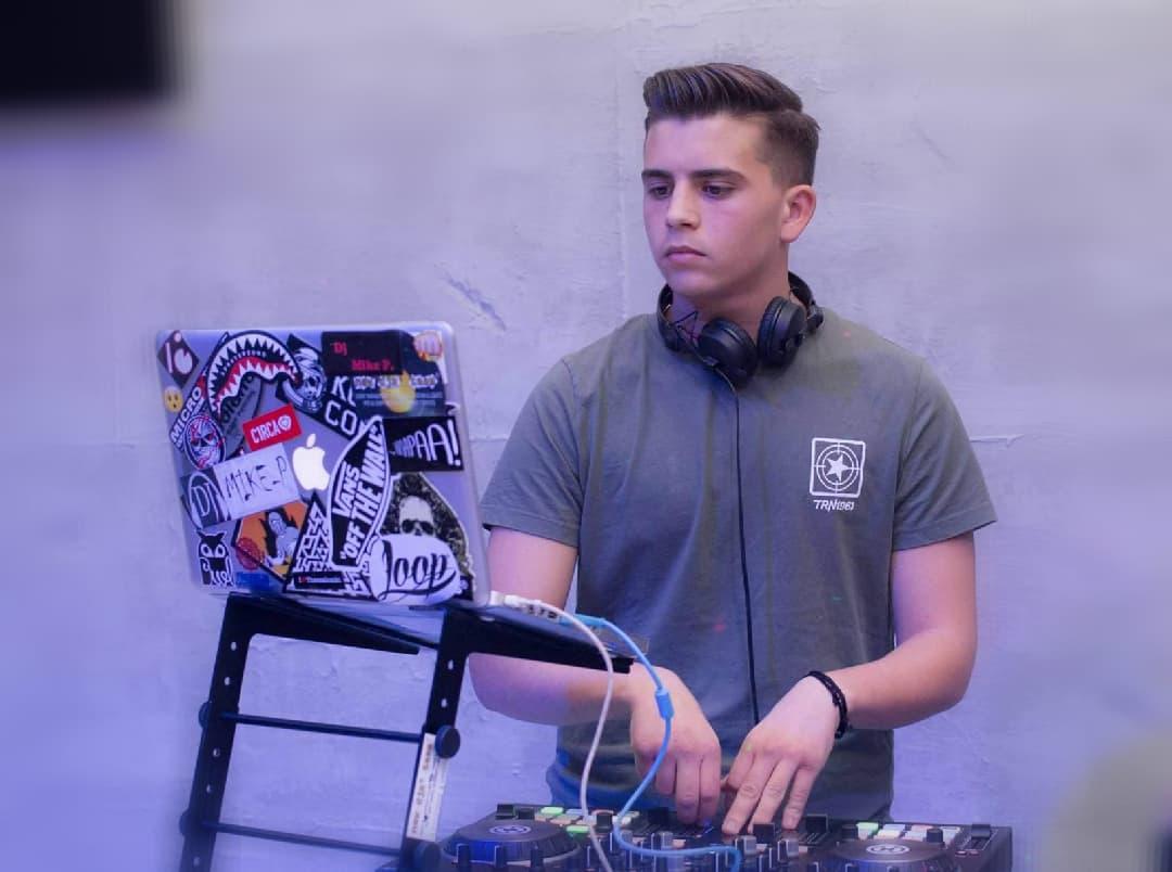 school djs new djs' team dj mike p. mixalis papadopoulos